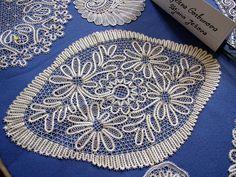 Картинки по запросу to sew bobbin lace work to fabric