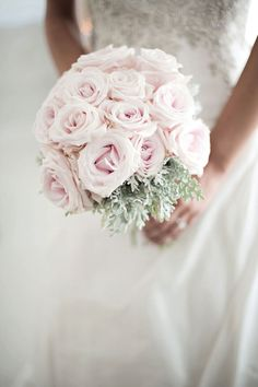 bouquet: powder pink roses