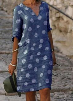 Latest Fashion For Women, Womens Fashion, Fashion Trends, Fashion Online, Look Jean, Mode Abaya, Vestido Casual, Polka Dot Shirt, Knee Length Dresses