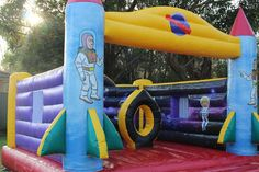 Jumping castles for kids in a party always adds up that spirit and make kids enjoy to the fullest. They add enthusiasm and fun to any event. Kids are always looking for fun ways to enjoy themselves . Costume Parties, Parties Food, Katie Holmes, New Theme, Food Festival, Cousins, Siblings, Castles, Festivals