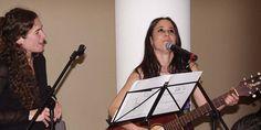 Miriam, además de narradora y guitarrista del cuento, es la hermana del novio