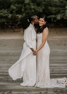 This same-sex wedding in Costa Rica was absolutely gorgeous | Image by Raw Shoots Photography