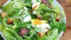 Lyonnaise egg and bacon salad