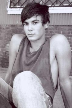 Tyler Blackburn-oh my lanta...he's like a young johnny depp..