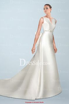 weddingstuff2014.com Classic V-neck V-back Chapel Train Wedding Dress Adorned with Bow Tie