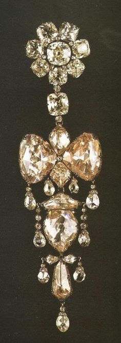"""""""Diamond Brooch. Belonged to Empress Eugenie. Part of the French Crown Jewels."""" (quote) via jewelryamazing.com"""