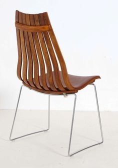 Shop chairs and other antique and modern chairs and seating from the world's best furniture dealers. Plywood Design, Antique Chairs, Old Recipes, Mid Century Design, Oslo, Modern Chairs, Woody, Chair Design, Cool Furniture