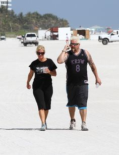 Food Network star chef Guy Fieri strolls along the beach with his wife Lori on February 2012 in Miami, FL. - Guy Fieri And Lori Hit The Beach Food Network Star, Food Network Recipes, Chef Guy Fieri, Wine And Food Festival, Star Chef, Food Wishes, Chicken Parmesan Recipes, Food Places, Carnitas