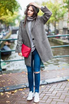 oversized blazer + ripped skinny jeans + white sneakers