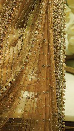 Faraz Manan Pakistani Formal Dresses, Pakistani Wedding Outfits, Indian Dresses, Indian Outfits, Desi Wedding, Wedding Wear, Wedding Attire, Bridal Dupatta, Bridal Mehndi Dresses
