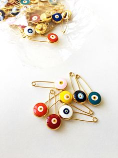 WHOLESALE 50 pcs Lucky evil eye safety pin protection for Baby Gift Box, Baby Boy Gifts, Gifts For Boys, Unique Baby Shower Favors, Baby Shower Gifts, Unique Wedding Favors, Eye Safety, Safety Pins, Baby Safety