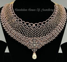 Kandalaa - House of Jewellery offers Masterpieces of Bridal Jewellery in Bangalore For Wedding Wedding Jewellery Designs, Indian Wedding Jewelry, Bridal Jewellery, Indian Jewelry, Trendy Jewelry, Cute Jewelry, Jewelry Shop, Jewelry Art, Jewelry Design