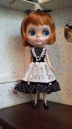 Walking the dog dress and bow for Blythe by blytheshops on Etsy, $17.00