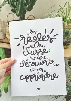 print: Classroom rules: smiling, discover, love, learn Dimension: 21 x cm weight 350 GR Delivered unframed in rigid packaging that does not bend.