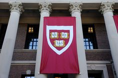Head of Harvard's chemistry department arrested for lying about work with China - All round news What Is Technology, Technology News, Science Signs, National Institutes Of Health, Chinese Language, Research And Development, Nanotechnology, Harvard, Chemistry