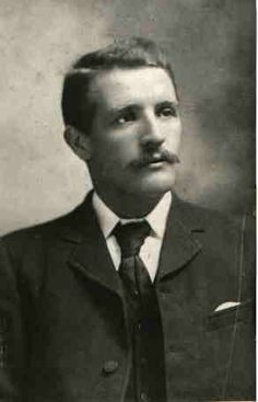 William Murdoch - 1st officer of the Titanic -- also looks like my friend Richard AND Edison!