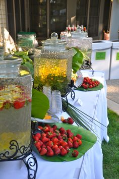 Infused water bar - Cirtus Rhubarb, Ginger Mint, Lemon Strawberry - Great for a hot summer evening Mexican Brunch, Rustic Wedding Foods, Appetizer Buffet, Party Fiesta, Wedding Appetizers, Fruit Infused Water, Reception Food, Nutrition, Summer Evening