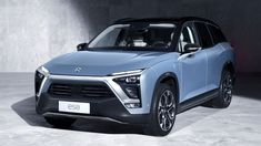 The new NIO SUV launched by the Chinese company features an elegant design, seven seats, electric motors, and a smart driver assistance system.
