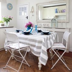 Google Image Result for http://housetohome.media.ipcdigital.co.uk/96%257C000012e5e%257C9de8_orh550w550_Kitchen-diner--compact--25-Beautiful-Homes.jpg