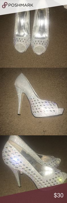 Prom shoes for sale Valenti Franco size 8 silver prom heels Valenti Franco Shoes Heels Silver Heels Prom, Prom Heels, Shoes Heels, Graduation Shoes, Fashion Design, Fashion Tips, Fashion Trends, Accessories, Jewelry