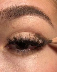 So easy and beautiful 😍 hacks for teens girl should know acne eyeliner for hair makeup skincare Eyeliner Make-up, Eyeliner Hacks, Black Eyeliner, Makeup Eye Looks, Eye Makeup Steps, Eyebrow Makeup, Simple Makeup, Natural Makeup, Makeup Inspo