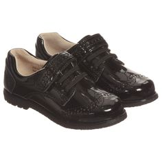 Boys black patent leather 'Stevie' shoes from Pediped's Flex range. With ultra flexible soles providing maximum movement and support for natural foot motion. They have Memory Foam Technology insoles which shapes to the foot and shock absorbing heel cushions, increasing feet support. Pediped's Flex Fit System provides additional insoles for a snug fit at the beginning, which can be removed as the foot grows, extending the life of the shoes by up to two months.