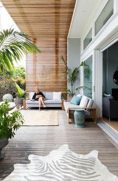 Pergola Patio With TV - Simple Pergola Ideas Backyard - Pergola Carport Front Of House - Outdoor Living Areas, Outdoor Rooms, Outdoor Decor, Outdoor Dining, Modern Outdoor Living, Outdoor Lounge, Modern Balcony, Modern Deck, Modern Porch