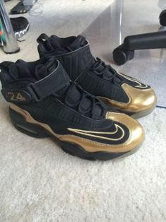 NIKE AIR GRIFFEY MAX 1 Black Metallic Gold Men s Sz 10.5 PRE-OWNED 7aaf521bc