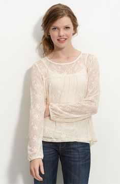 wallpapher long sleeve lace top.. really cute