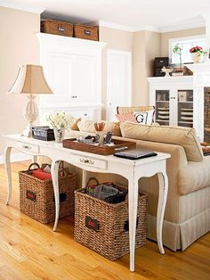 Smart Ways To Mix A Sofa With Tables And Chairs