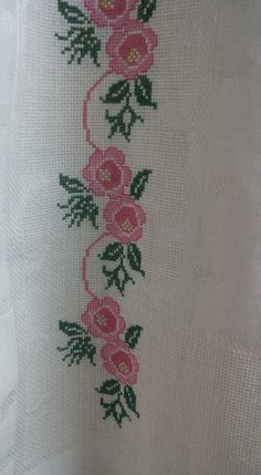 This Pin was discovered by Usl Cross Stitch Art, Cross Stitch Flowers, Cross Stitching, Cross Stitch Embroidery, Cross Stitch Patterns, Prayer Rug, Le Point, Needlework, Diy And Crafts