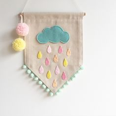 Image of Rainy Day Felt Crafts Diy, Yarn Crafts, Arts And Crafts, Wall Hanging Crafts, Felt Banner, Sewing To Sell, Baby Sewing Projects, Felt Fabric, Felt Toys