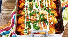 Enchiladas with chicken - recipe - salt å gott - Fajitas Recipe Baking Recipes, Vegan Recipes, Vegan Food, Healthy Food, Tex Mex, Food Hacks, Chicken Recipes, Dinner Recipes, Beauty