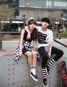 Image de couple, ulzzang, and ulzzang couple matching ❤ di 2019 наряды для пар Ulzzang Fashion, Kpop Fashion, Girl Fashion, Fashion Teens, Ulzzang Couple, Ulzzang Girl, Korean Couple, Korean Girl, Korean Street Fashion