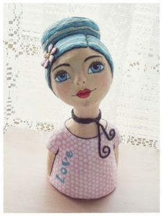 Paper Mache Crafts For Kids, Diy Crafts For Home Decor, Paper Dolls, Art Dolls, Paper Clay Art, Painted Hats, Diy Plastic Bottle, Paper Mache Sculpture, Guys And Dolls