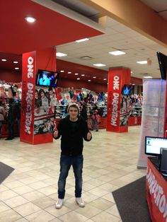 Josh Devine chillin at the store. You go you one direction drummer you.(:(through the whole movie I was like 'Where's Josh,where's Josh? Niall Horan, Zayn, Five Guys, Cher Lloyd, Thing 1, To Infinity And Beyond, I Love One Direction, 1d And 5sos, Ed Sheeran