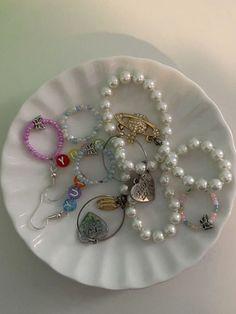 Cute Jewelry, Beaded Jewelry, Jewelry Accessories, Jewlery, Funky Jewelry, Jewelry Dish, Hippie Jewelry, Beaded Rings, Trendy Jewelry
