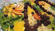 Questa torta rettangolare di fruttaè stata fatta per festeggiare i 40 anni di un amico di mio marito....una bellissima festa a sorpresa organizzata dalla