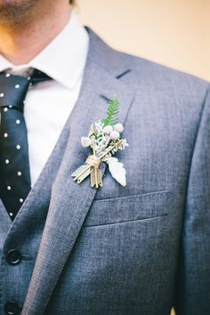 boutonniere with arrow details
