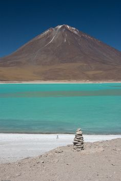 Travel Inspiration for Bolivia - Laguna Verde, Bolivia The Places Youll Go, Places To See, Wonderful Places, Beautiful Places, Bolivia Travel, Argentine, South America Travel, Peru, The Great Outdoors