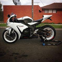 Moto Bike, Motorcycle Garage, Motorcycle Design, Honda Bikes, Honda Motorcycles, Suzuki Bikes, Custom Motorcycles, Best Motorbike, Honda Cbr 1000rr