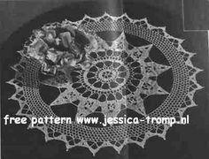 Royal Society 9-127    Hand Crochet by Royal Society Crisp New Doilies Book No 9   1948