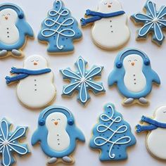 Cake decorating blue royal icing 37 Ideas for 2019 Christmas Tree Cookies, Iced Cookies, Royal Icing Cookies, Holiday Cookies, Cupcake Cookies, Christmas Treats, Christmas Baking, Cupcakes, Winter Christmas