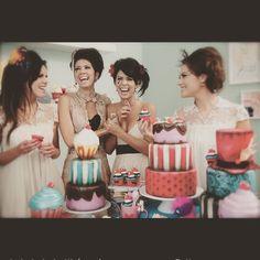 Bom diaa das Lilis :) porque rir é sempre o melhor remedio! #liliglace #irmas #amigas #bolosdecorados #cupcake #fotosdebolos #aulasdeconfeitaria #samuelcirnansck #iaravenanzi