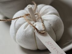 If you have lots of leftover fabric scraps or old clothes, then you can upcycle them! Here are some ideas on how to make a stuffed fabric pumpkin out of How To Make Pumpkin, Diy Pumpkin, Pumpkin Crafts, Easy Fall Crafts, Fall Diy, Fabric Pumpkins, Retro Fabric, Fabric Art, Shabby Chic Crafts