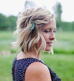 Textured+Bob+Haircut+And+Boho+Waves