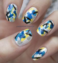 Abstract nails http://passionorkinda.blogspot.ru/2013/11/holiday-confetti.html