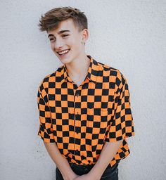 Johnny Orlando is one ofe the young singer and he changed his hairstyle. Johnny Orlando new hairstyle gallery is in our website now!