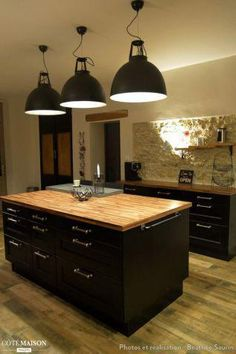 Although Selecting A Brand New Set Of Kitchen Cabinets Might Appear Like A  Fairly Easy. Ilot CuisineMeuble CuisineCuisine Noire Et BoisIdée ...