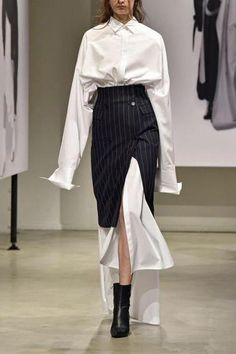 Elegant Splicing Shirt Dress With Striped Skirt Suit - The Effective Pictures We Offer You About fashion magazine A quality picture can tell you many thi - Look Fashion, Korean Fashion, Fashion Show, Fashion Design, Suit Fashion, Couture Fashion, Runway Fashion, Womens Fashion, Fashion Trends